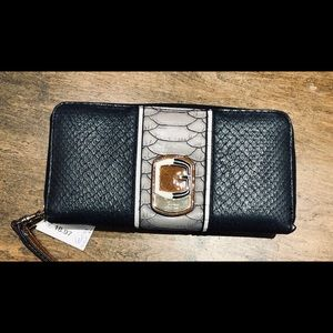 Beautiful Wallet gently used